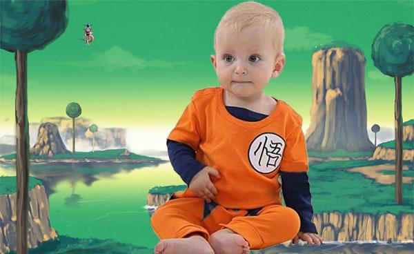 bébé avec sa grenouillère DBZ habillé en San Goku