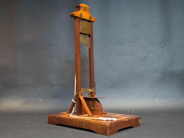 guillotine coupe cigare en bois XIXe siècle