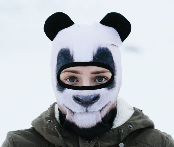 cagoule panda portée yeux apparents