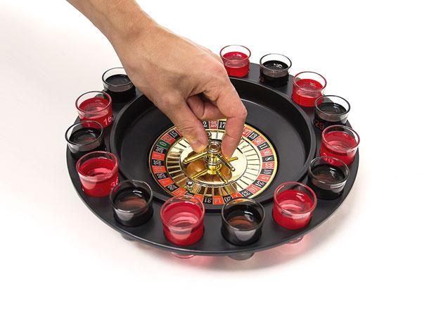 Mini roulette jeu à boire, tournée avec 2 doigts